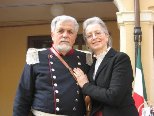 Lucio e Carla impersonano Tommaso Rossi e la moglie Clotilde Maccaferri