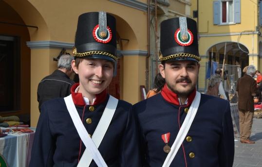 Gessica e Pietro in divisa Reggimento Unione PRESENTI